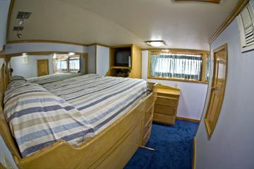 Deluxe Cabins