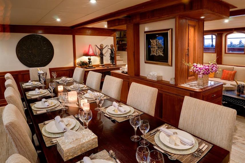 Interior Dining Room - Mutiara Laut Indonesia