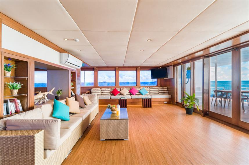 Saloon - Seafari Explorer Maldives