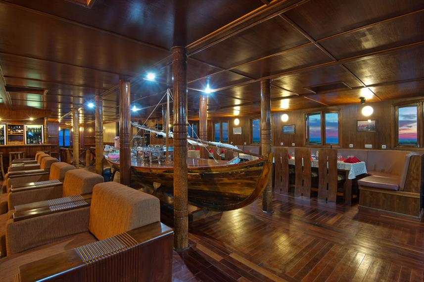 Saloon - Nautilus Two Maldives