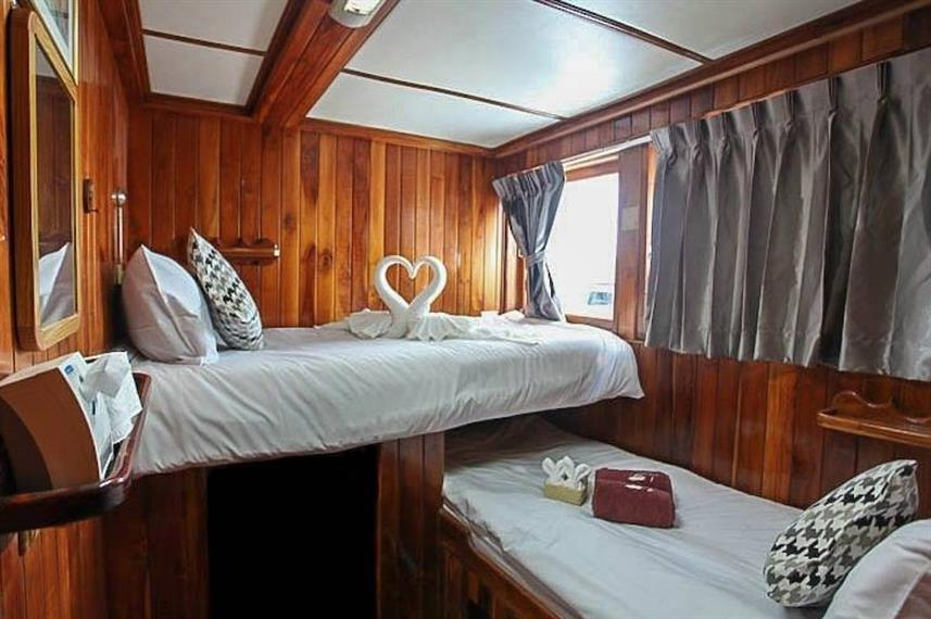 Twin En-Suite Cabin - Manta Queen 8