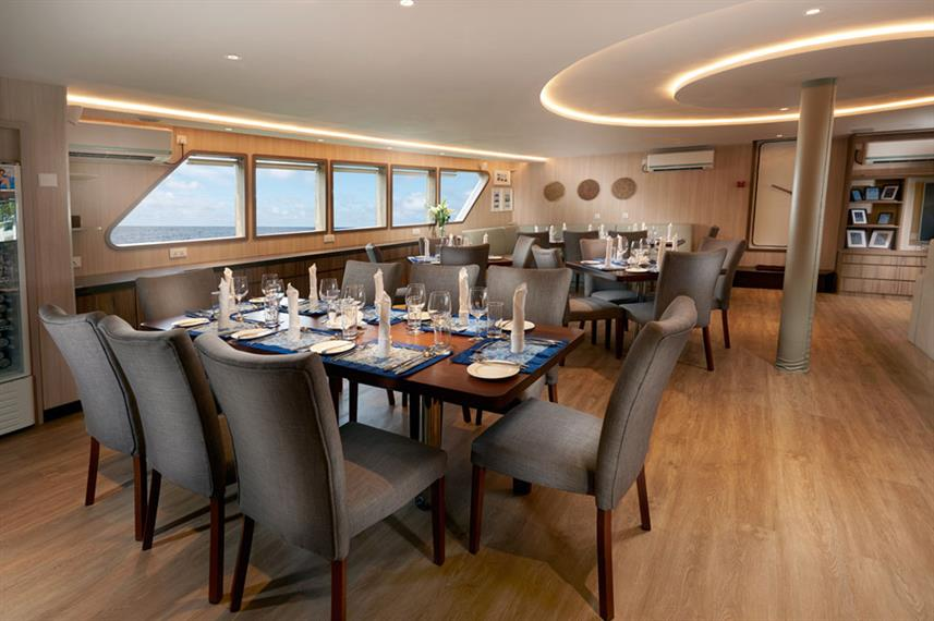 Dining room Gaia Love - Indonesia Liveaboard