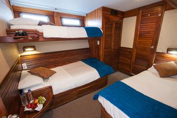 Iguana deck - Triple Cabins