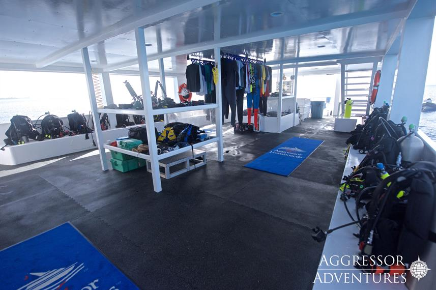 Dive deck - Cayman Aggressor V