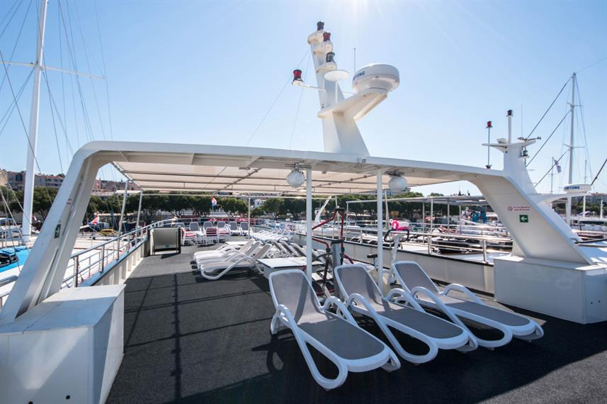 Sun Deck - Majestic