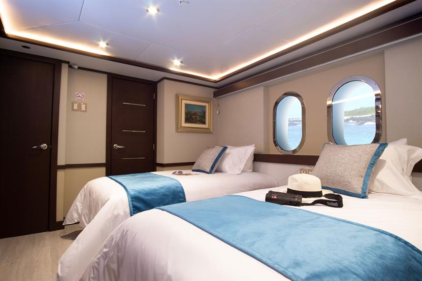 Triple Cabin - Grand Majestic