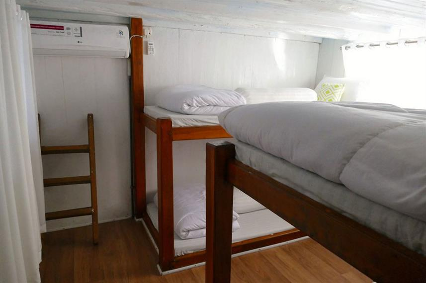 Standard Bunk Cabin - Dragon Dive