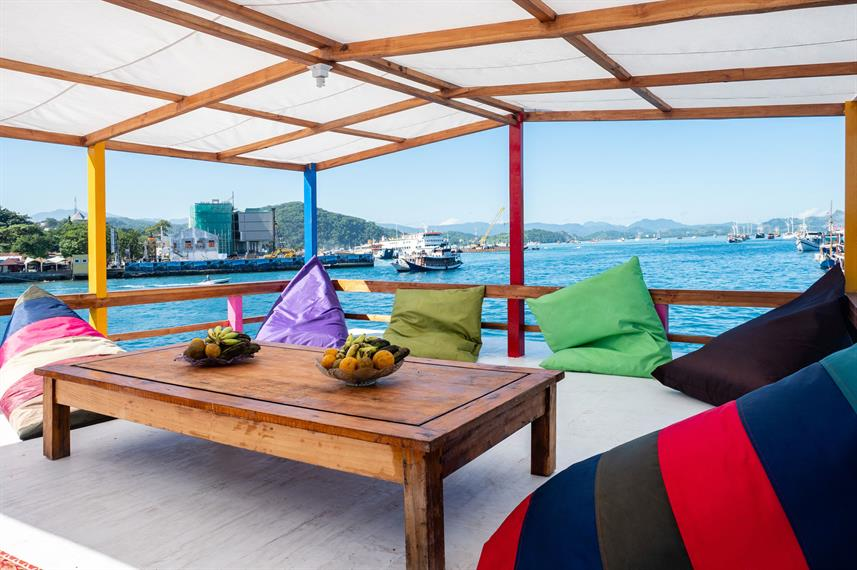 Lounge Externo - Dragon Dive Komodo