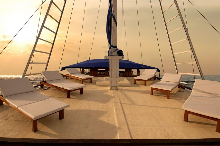 Sun Deck - The Phinisi