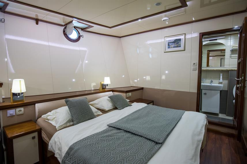 Lower Deck Cabin - Diamond