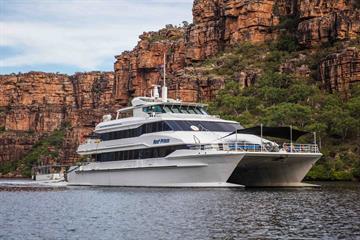 12 Liveaboards in Australia - LiveAboard com