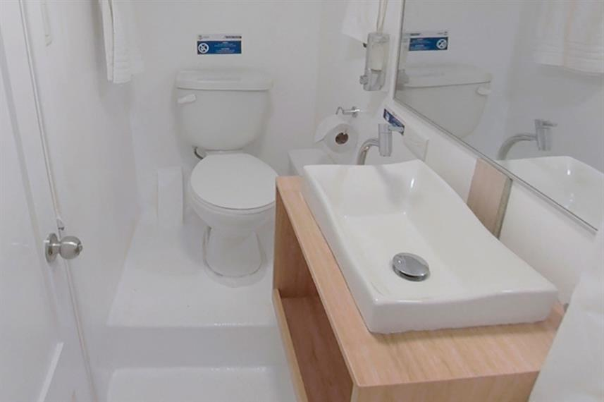 En-Suite bathrooms - Aqua