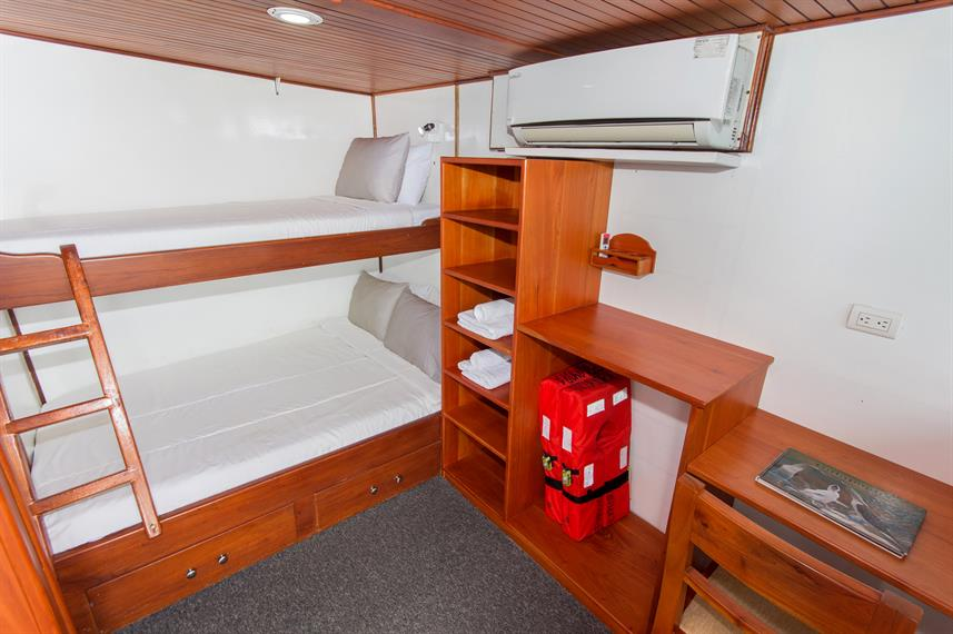 Lower Deck Cabin - Aqua