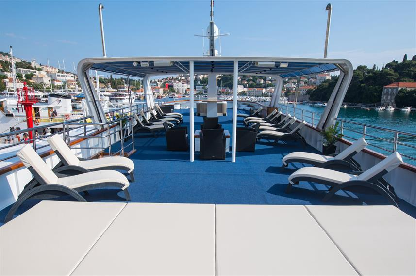 Sun Deck - Captain Bota