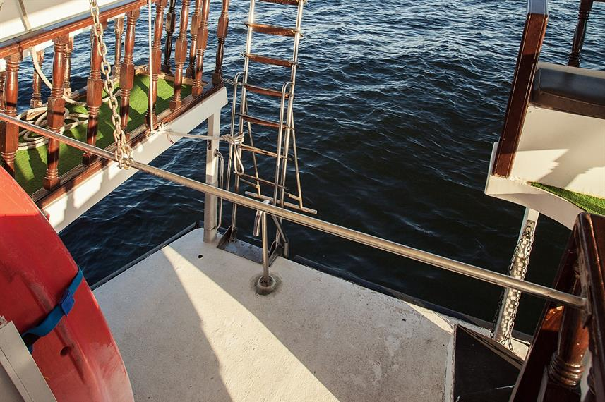 Dive Platform - Red Dhow
