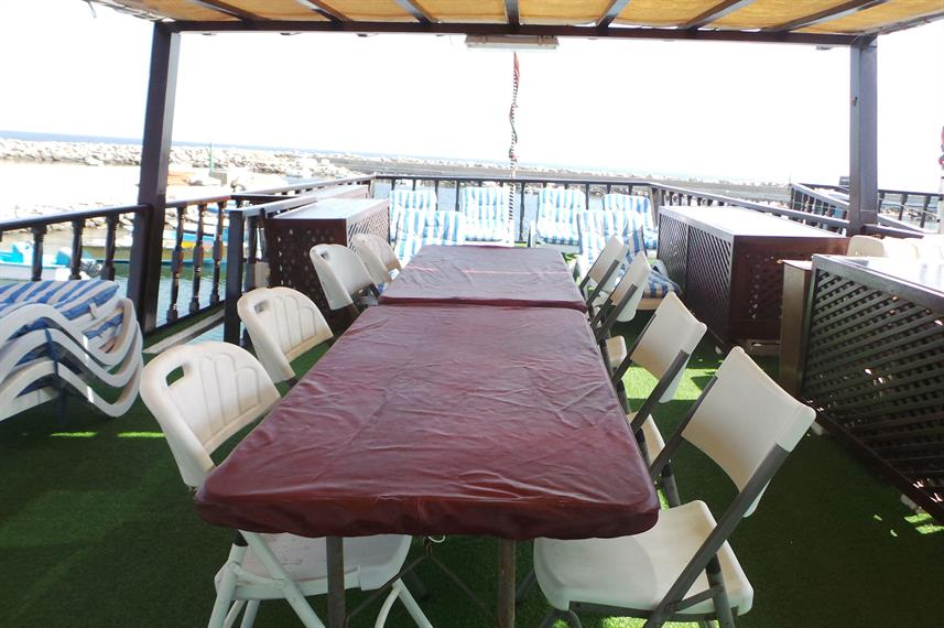 Outdoor Dining - Brown Dhow