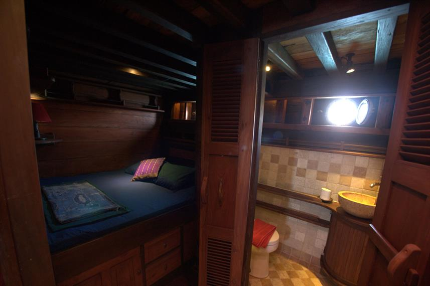 Lower Deck Cabin - Ananda