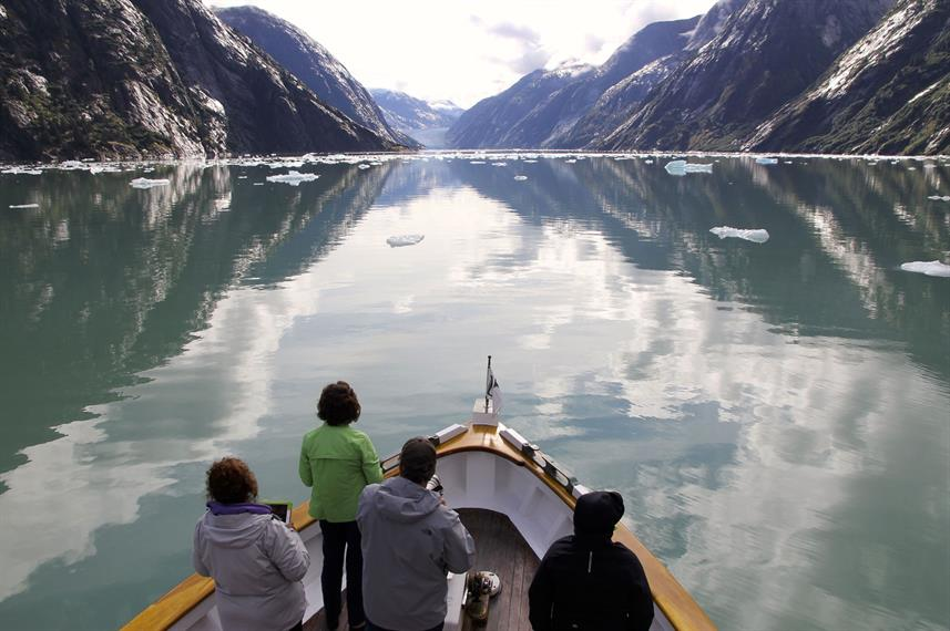 Cruising in Fjord
