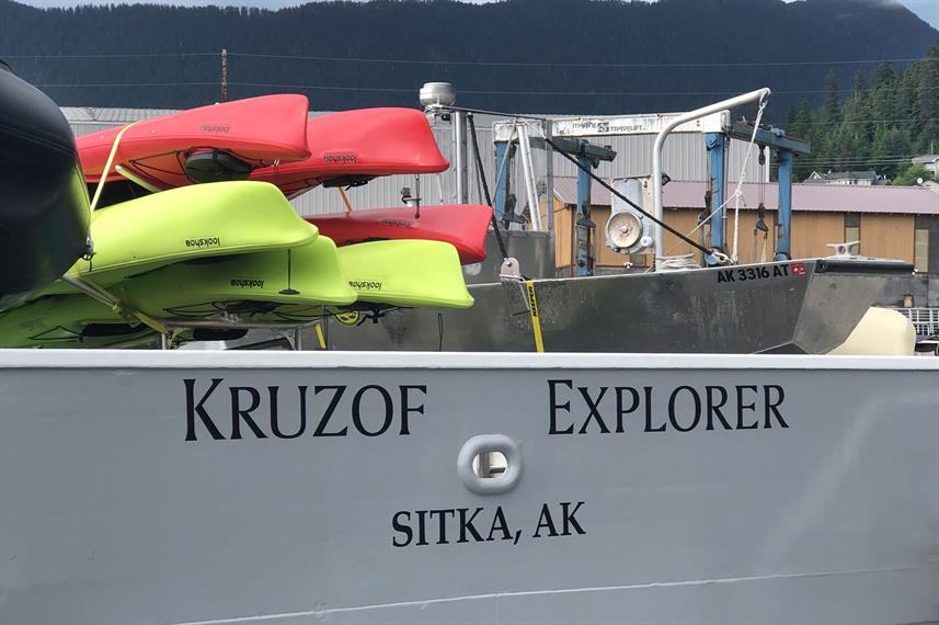 Kayak a bordo - Kruzof Explorer