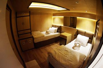 Top Deck Cabin