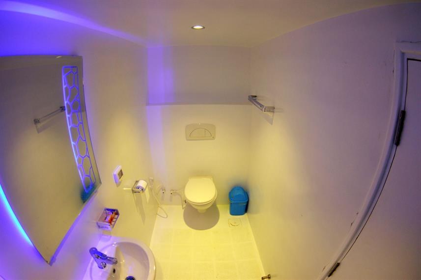 En-Suite bathrooms - Sea Legend