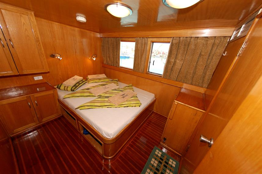 Double Cabin - Lighthouse Miracle 1